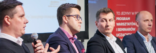 """Źródła i modele finansowania startupów - rozmowy z panelistami II Seminarium WBZ """"Młody biznes w oparciu o design. Start it up!"""""""