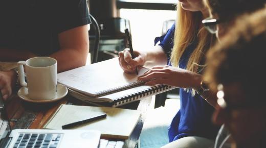 Cesja a licencja, czyli jak zawierać korzystne umowy o współpracę