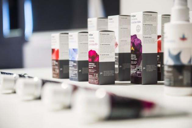 Tołpa Botanic - opakowania kosmetyków, proj. zespół projektowy Torf Corporation pod przew. Anny Juszczak, prod. Torf Corporation - Fabryka Leków Sp. z o.o.