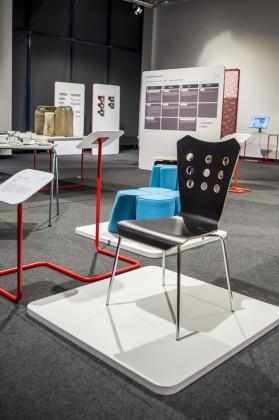 Kliwia Chrome - krzesło do jadalni, proj. Jadwiga Husarska, prod. Nowy Styl