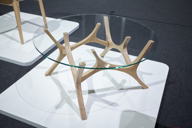 Kolekcja stołów kawowych Łoś, proj. Tabanda – Megi Malinowska, Filip Ludka, Tomek Kempa, prod. Tabanda