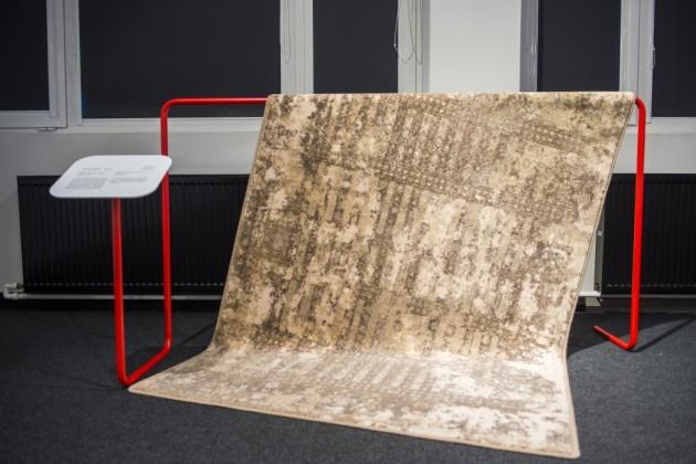 Alabaster ONTO W dywan, projekt Teresa Tomczuk  - Agnella, producent: Fabryka Dywanów Agnella SA