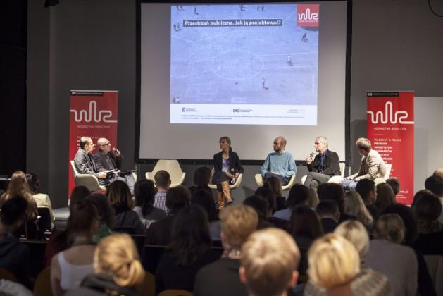 Panel 1, od lewej Mikołaj Wierszyłłowski, prof. Marek Adamczewski, Agata Stelmach, Paweł Grobelny, prof. Jerzy Porębski, Zbigniew Maćków