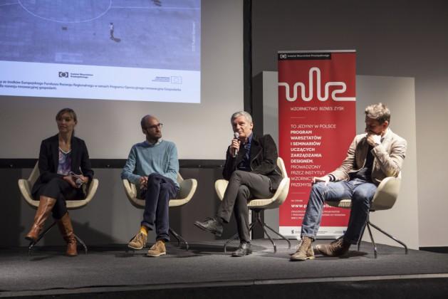 Panel 1, od lewej Agata Stelmach, Paweł Grobelny, prof. Jerzy Porębski, Zbigniew Maćków