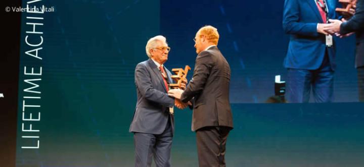 Giorgetto Giugiaro odbiera nagrodę za całokształt twórczości, fot. materiały prasowe DesignEuropa Awards