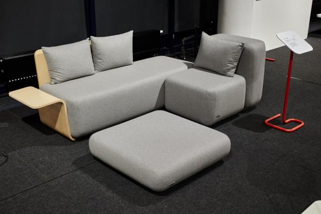 sofa modułoa KUBU, proj. Niemwska Grynasz Studio - Marta Niemywska-Grynasz, Dawid Grynasz, Hanna Ferenc Hilsden, prod. MEESH