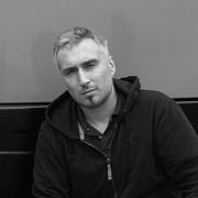 dr Bartosz Piotrowski