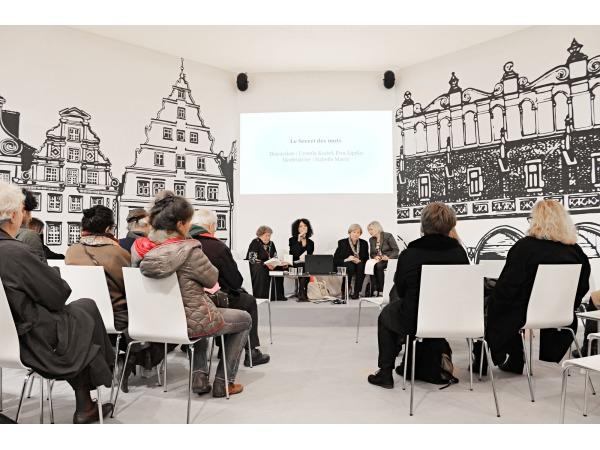 Stoisko Krakowa i Wrocławia na Salon du Livre 2015