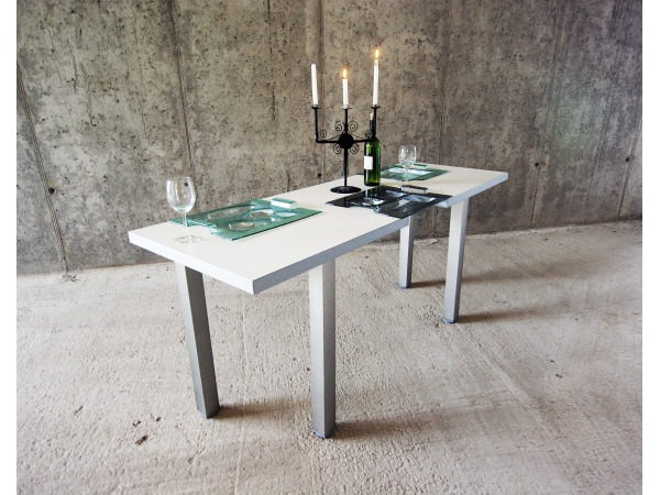 """""""Naczynio-stół"""""""