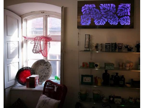 dekoracje ścienne - kasetony świetlne ze stali nierdzewnej