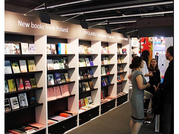Stoiska targowe dla Instytutu Książki