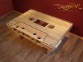Stolik retro inspirowany kasetą magnetofonową