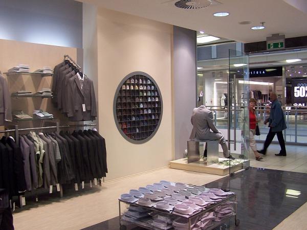 Projekt wnętrza sieci sklepów, mebli i systemu ekspozycji
